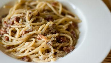 Pasta alla gricia , spaghetti
