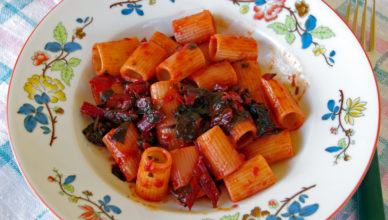 La pasta con bieta rossa