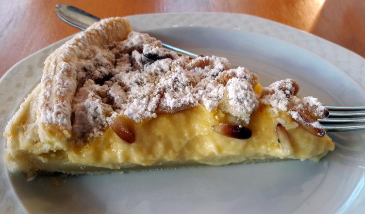 Torta Della Nonna Con Pasta Sfoglia E Profumi Di Bergamotto