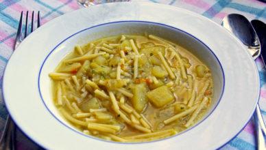 Minestra di pasta e patate, ricetta tipica marchigiana