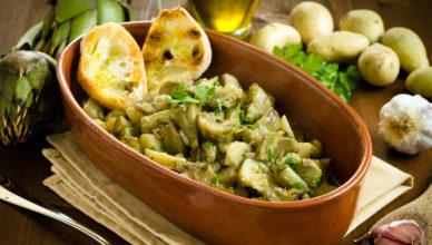 Carciofi e patate in umido, la ricetta tipica sarda