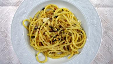 Spaghetti con le noci alla marchigiana