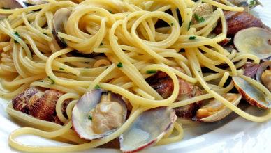Spaghetti con le vongole veraci alla romana