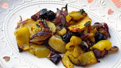 Contorno di cipolle, patate e peperoni