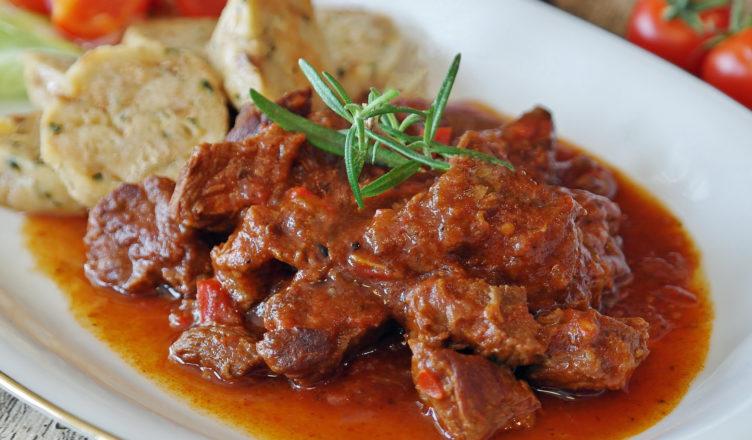 Goulasch - Gulasch all'italiana, la ricetta dell'Alto Adige