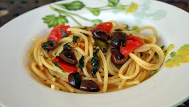 Spaghetti alla checca, pasta alla checca tipica romana