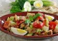 La panzanella, gran piatto della tradizione povera italiana