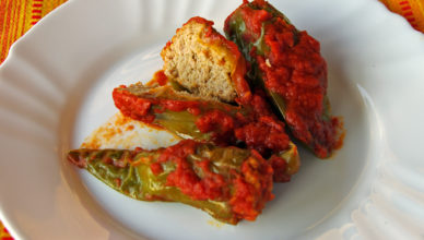 Pipi chini, ovvero peperoni ripieni alla calabrese