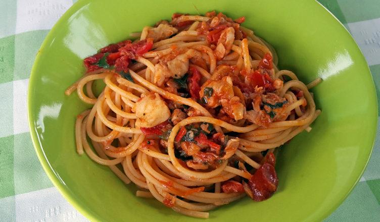 Spaghetti con il pesce spada