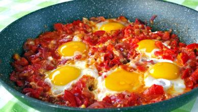 Uova e pomodori alla calabrese