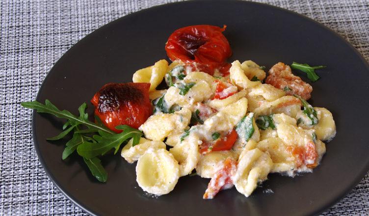 Orecchiette con ricotta rucola e pomodorini