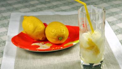 Sorbetto di limone, ricetta tipica siciliana