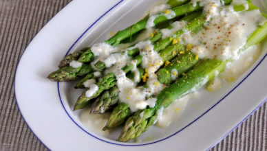 Asparagi al gorgonzola, la cremosa ricetta lombarda