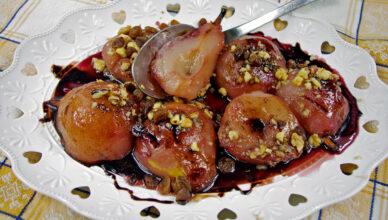 Pere cotte al vino e cioccolato, la ricetta piemontese